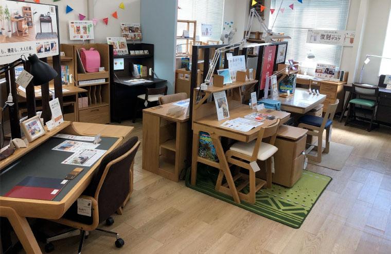 浜本工芸の学習机